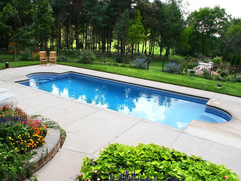 chesapeake medium sized fiberglass viking swimming pool. Black Bedroom Furniture Sets. Home Design Ideas