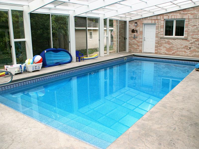 Ocean breeze large fiberglass viking swimming pool for Large inground pools