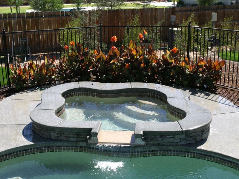 Regal spillover spa hot tub viking fiberglass pools for Pool and spa show usa