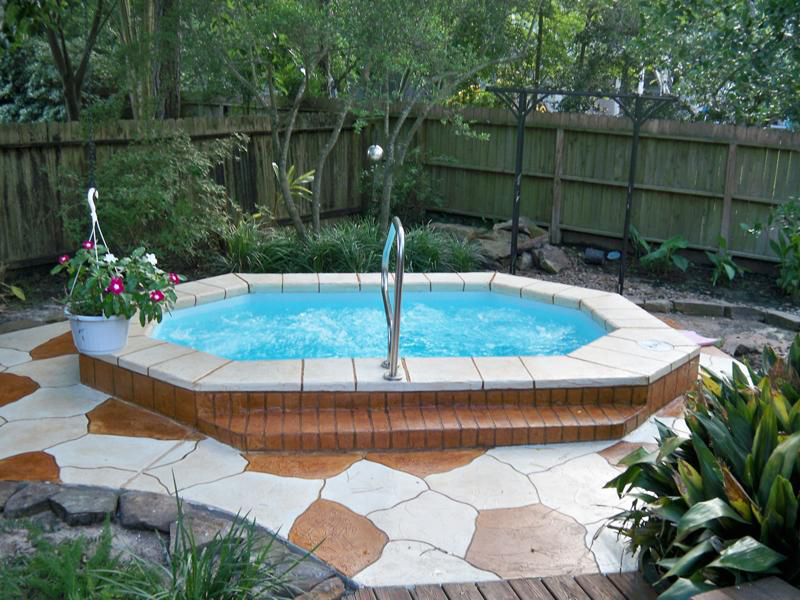 Superior spa hot tub viking fiberglass swimming pools for Inground pool and spa