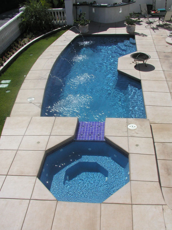 Triton medium fiberglass inground viking swimming pool for Swimming pool with jacuzzi design