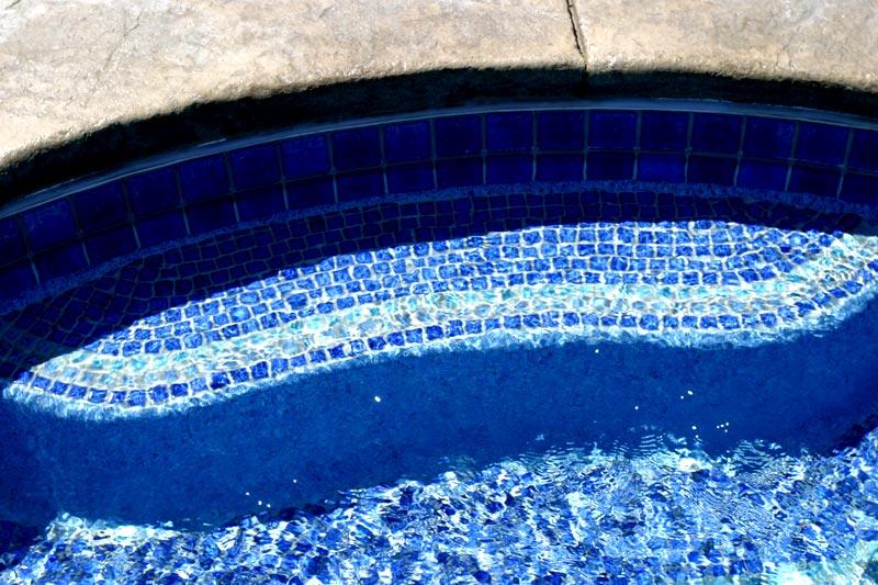 Fiberglass Swimming Pool Shell Installation
