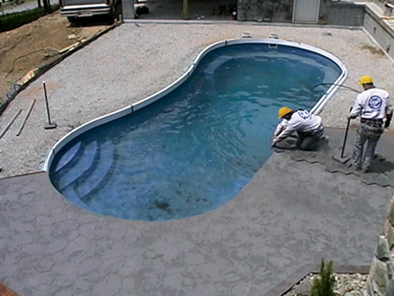 Fiberglass inground swimming pool installation for Fiberglass inground swimming pools